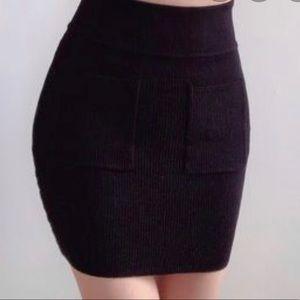 Aritzia Wilfred Free Natalya Skirt